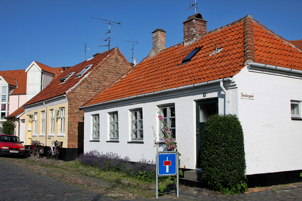 Реннё - столица острова Борнхольм.. The capital city of Rønne. La capital de Rønne.
